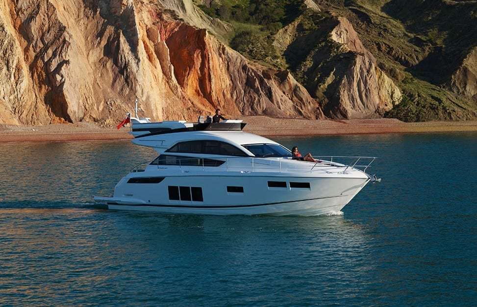 Brand new Powerboat joins our fleet: Fairline Squadron 48